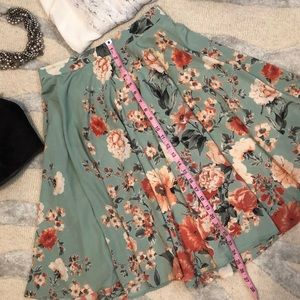 Ro & De Teal Floral A lined Skirt